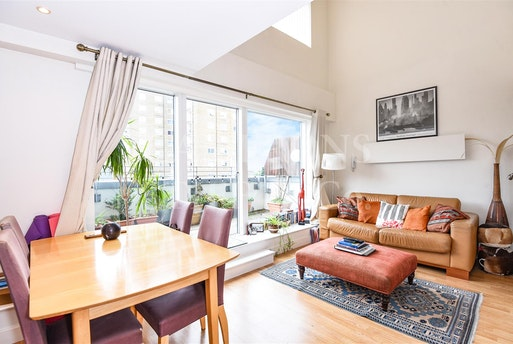 Albert Road,  Queens Park, NW6 5DD