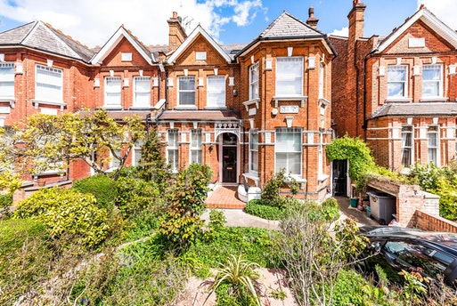 Teignmouth Road,  London NW2, NW2 4HN