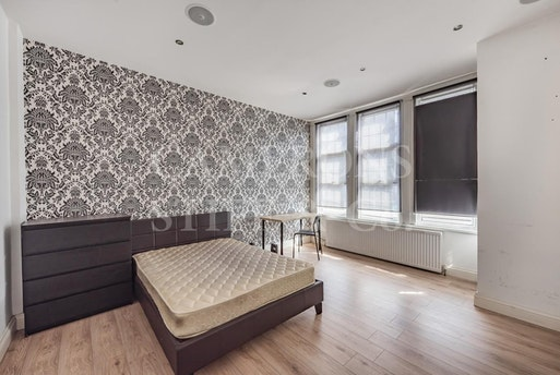 Ivy Road,  London, NW2 6SY