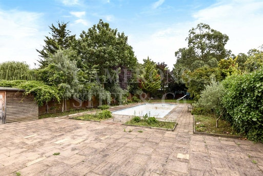 Aylestone Avenue,  Brondesbury Park, NW6 7AA