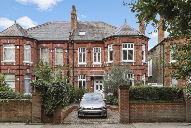 Chevening Road,  London,  NW6, NW6 6DX