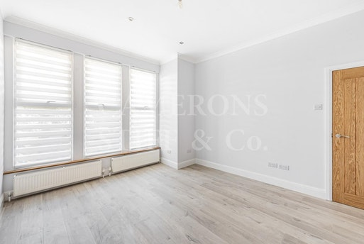 Oaklands Road,  Cricklewood,  NW2, NW2 6DH